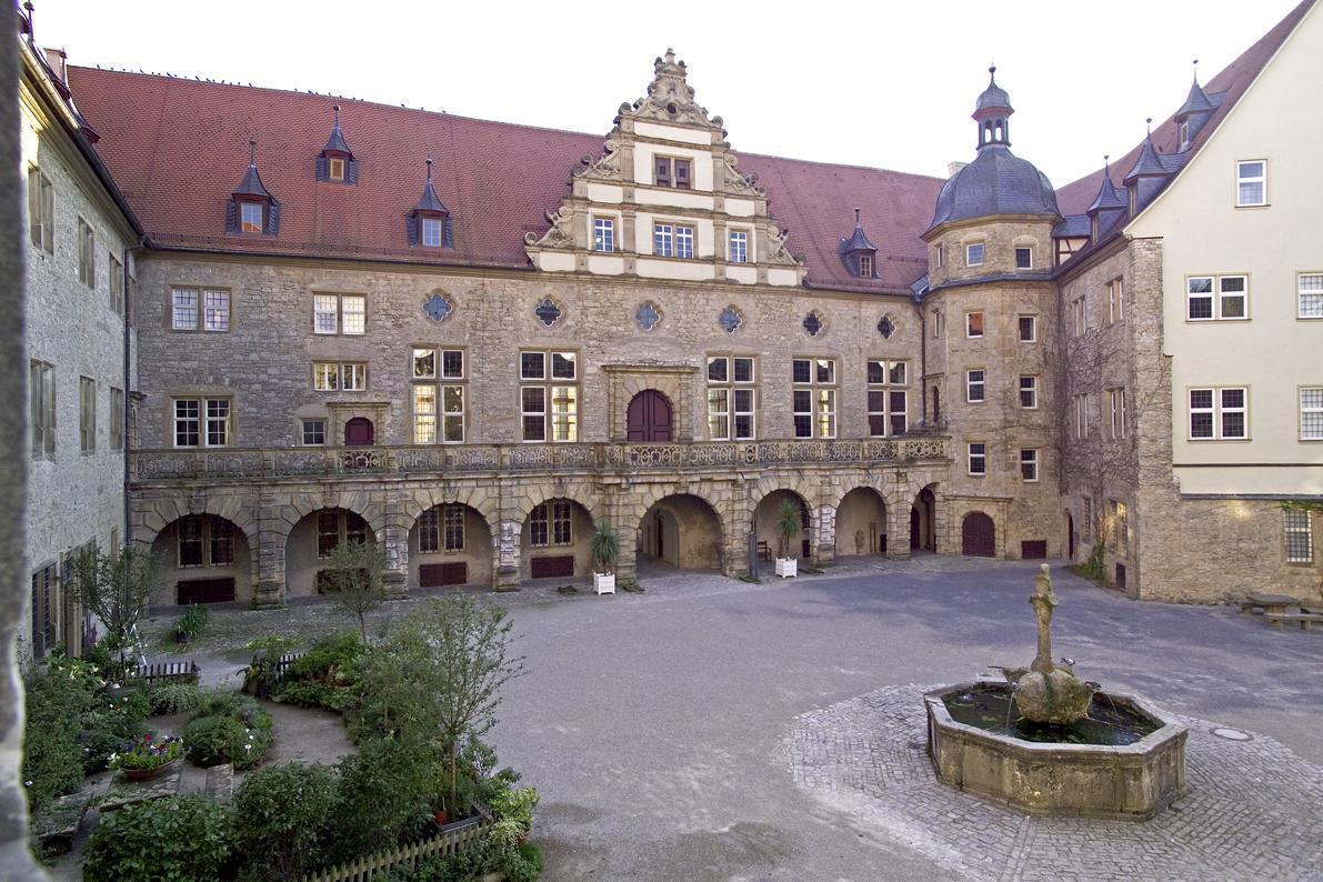 Innenhof von Schloss Weikersheim; Foto: Staatliche Schlösser und Gärten Baden-Württemberg, Arnim Weischer