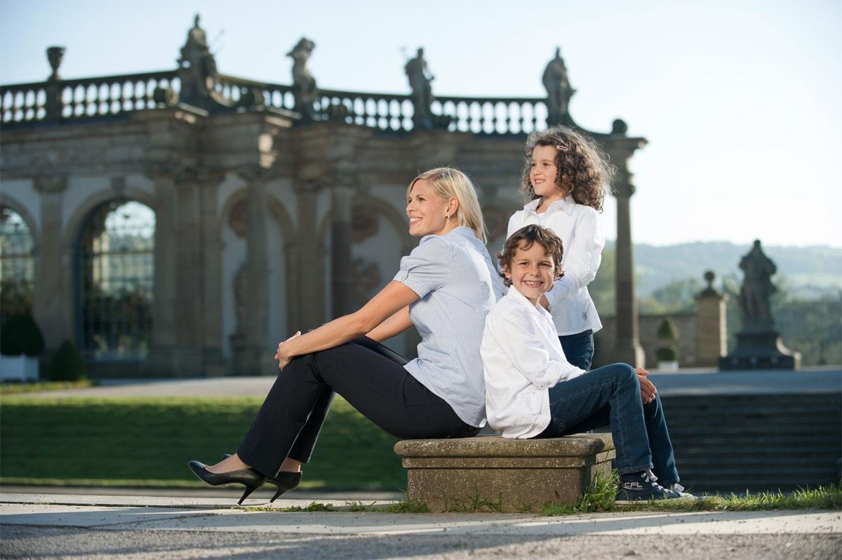 Besucher im Schlossgarten Weikersheim; Foto: Staatliche Schlösser und Gärten Baden-Württemberg, Niels Schubert