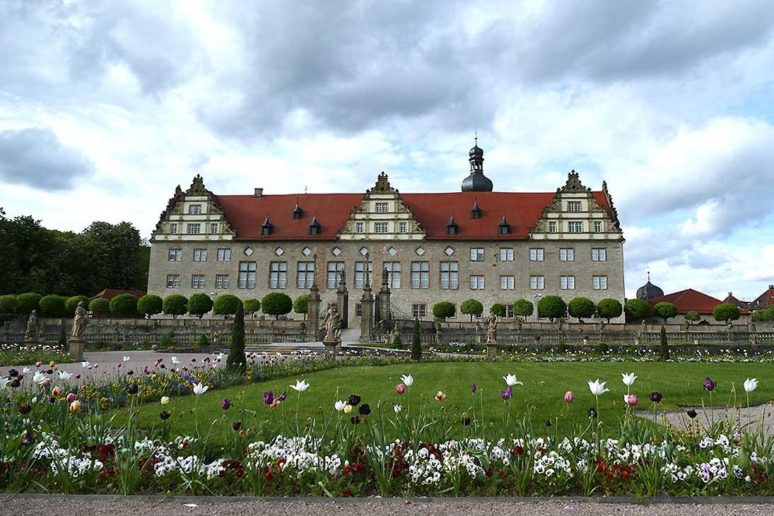 Rabatte im Weikersheimer Schlossgarten am 13. Mai 2016;  Foto: Staatliche Schlösser und Gärten Baden-Württemberg, Sonja Wünsch
