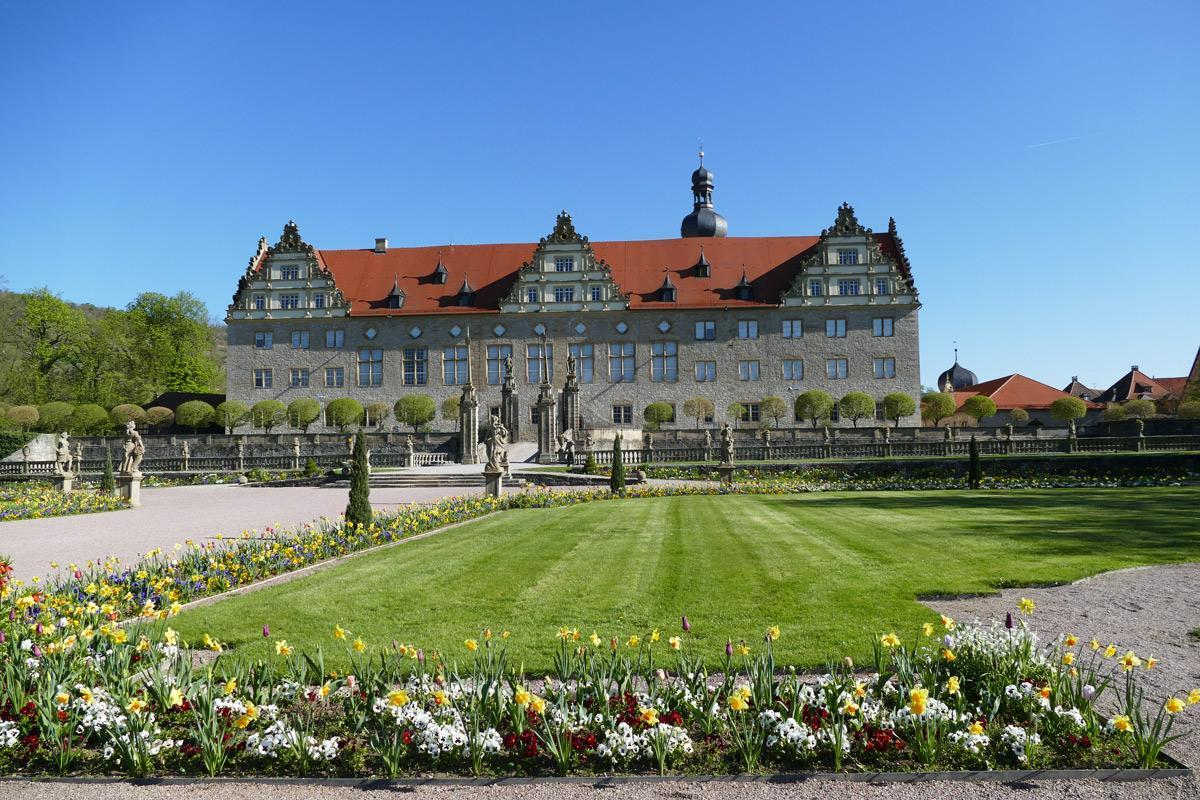Rabatte im Weikersheimer Schlossgarten am 22. April 2016;  Foto: Staatliche Schlösser und Gärten Baden-Württemberg, Sonja Wünsch
