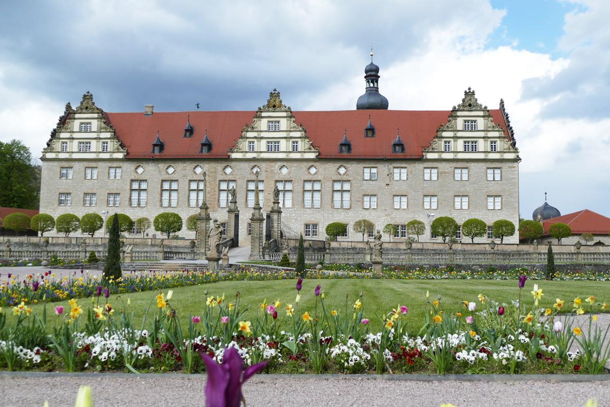 Rabatte im Weikersheimer Schlossgarten am 29. April 2016;  Foto: Staatliche Schlösser und Gärten Baden-Württemberg, Sonja Wünsch