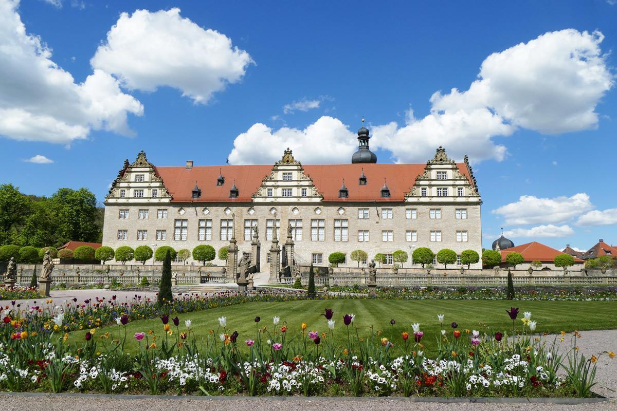 Rabatte im Weikersheimer Schlossgarten am 6. Mai 2016;  Foto: Staatliche Schlösser und Gärten Baden-Württemberg, Sonja Wünsch