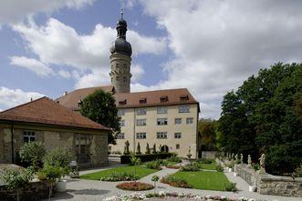 Schloss Weikersheim mit Rosengarten