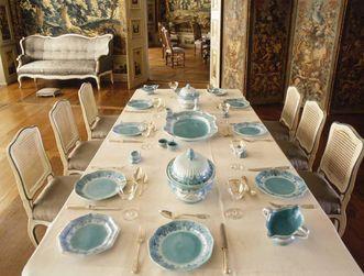 Gedeckter Tisch im Tafelzimmer, Schloss Weikersheim; Foto: Staatliche Schlösser und Gärten Baden-Württemberg, Arnim Weischer