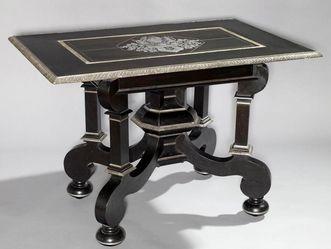 Schloss Weikersheim, Tisch mit Silberarbeit der Geschwister Johann Heinrich und Magdalena Vogt