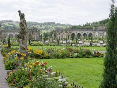 Schloss und Schlossgarten Weikersheim, Beete und Figuren