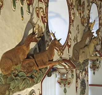 Weikersheim Palace, animals loom in 3-D