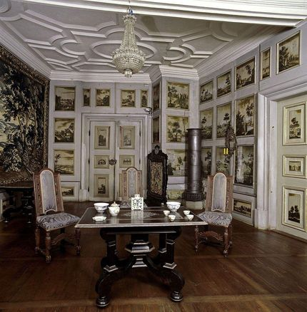 Weikersheim Palace and Gardens, A look inside the antechamber