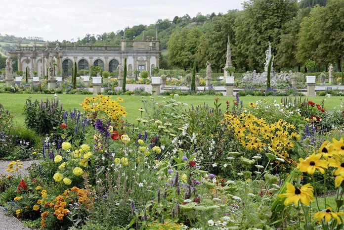Weikersheim Palace, Flowerbeds with a view of the orangery