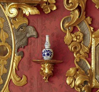 Wandschmuck und Porzellanstücke im Spiegelkabinett, Schloss Weikersheim