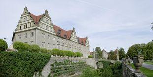 Blick vom Schlossgarten auf Schloss Weikersheim