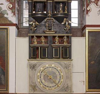 Weikersheim Palace, large clock in the Knight's Hall; Photo: Staatliche Schlösser und Gärten Baden-Württemberg, Arnim Weischer
