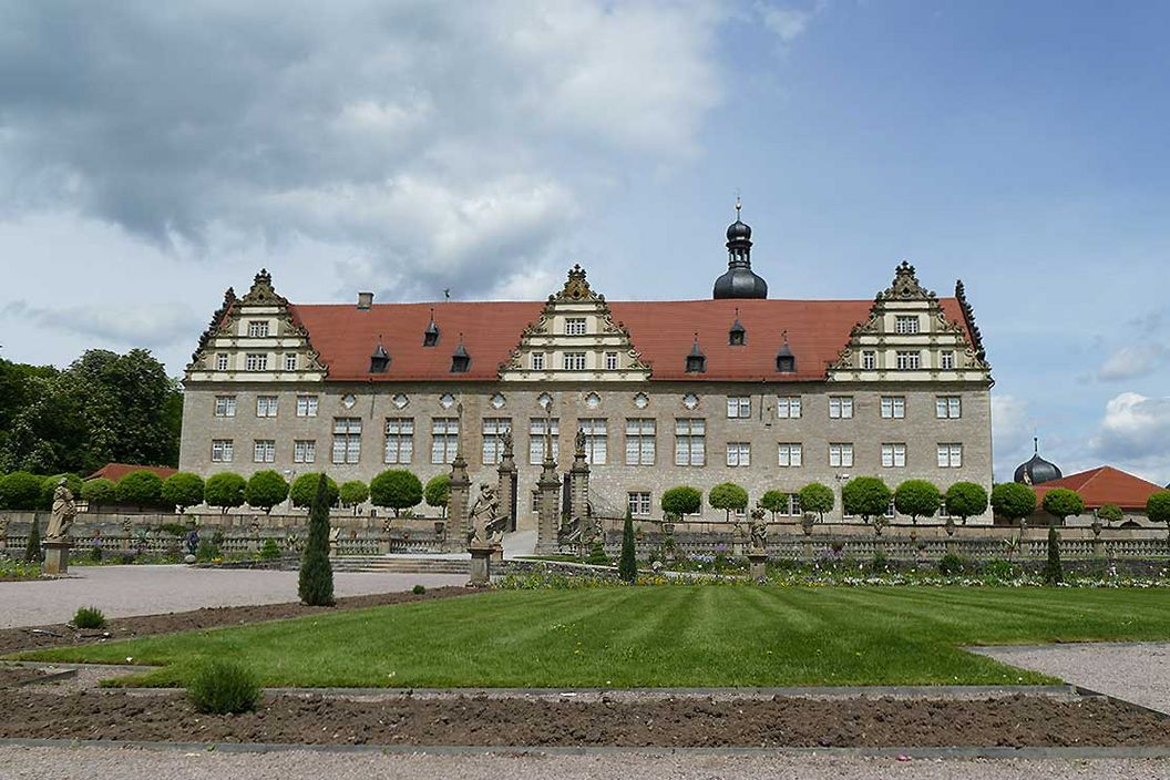 Rabatte im Weikersheimer Schlossgarten am 20. Mai 2016