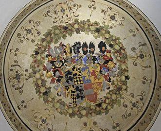 Allianzwappen Hohenlohe-Nassau, an der Decke des Treppenturms, Schloss Weikersheim, 1598 von Gerhard Schmidt; Foto: Staatliche Schlösser und Gärten Baden-Württemberg, Arnim Weischer