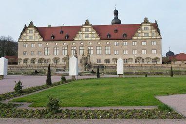 Rabatte im Weikersheimer Schlossgarten am 19. Februar 2016;