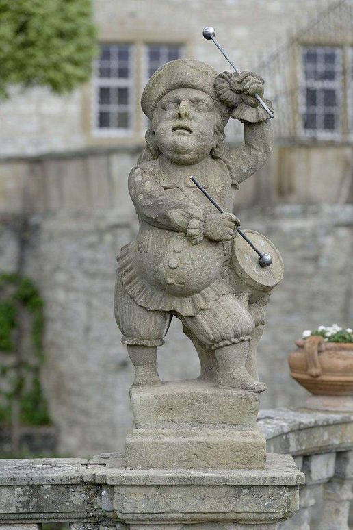Weikersheim Palace and Gardens, Dwarf playing the drum in the Dwarfs' Gallery