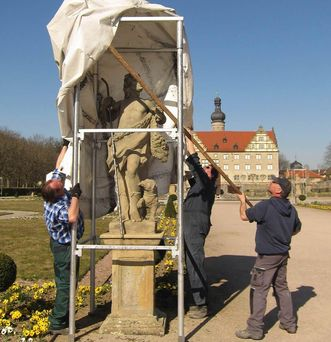 Schloss Weikersheim, Schlossgarten während des Aushausens; Foto: Staatliche Schlösser und Gärten Baden-Württemberg, Sonja Wünsch
