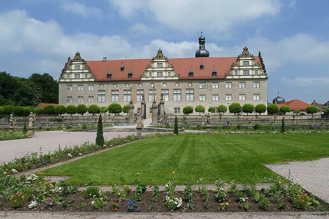 Rabatte im Weikersheimer Schlossgarten am 27. Mai 2016