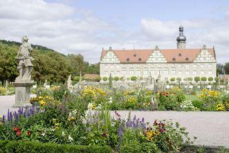 Rabattenbepflanzung, Schlossgarten Weikersheim; Foto: Staatliche Schlösser und Gärten Baden-Württemberg, Niels Schubert