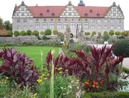 Rabatte im Weikersheimer Schlossgarten im Oktober 2008