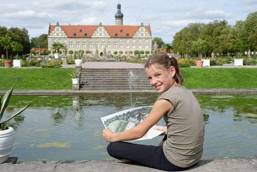 Weikersheim Palace, A girl at the pond