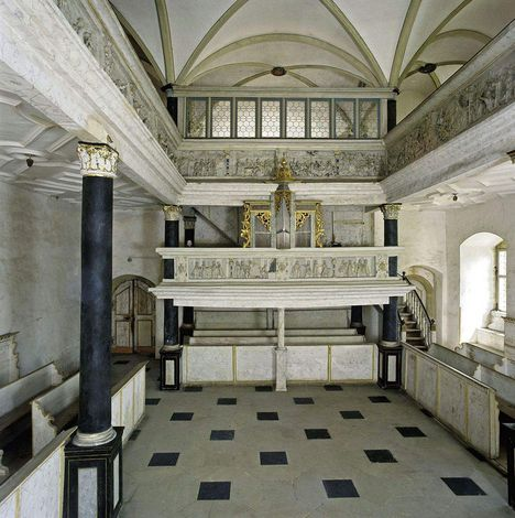 Weikersheim Palace, A look inside the palace chapel