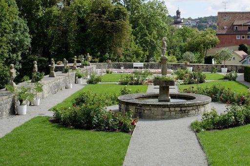 Rosengarten von Schloss Weikersheim; Foto: Staatliche Schlösser und Gärten Baden-Württemberg, Niels Schubert
